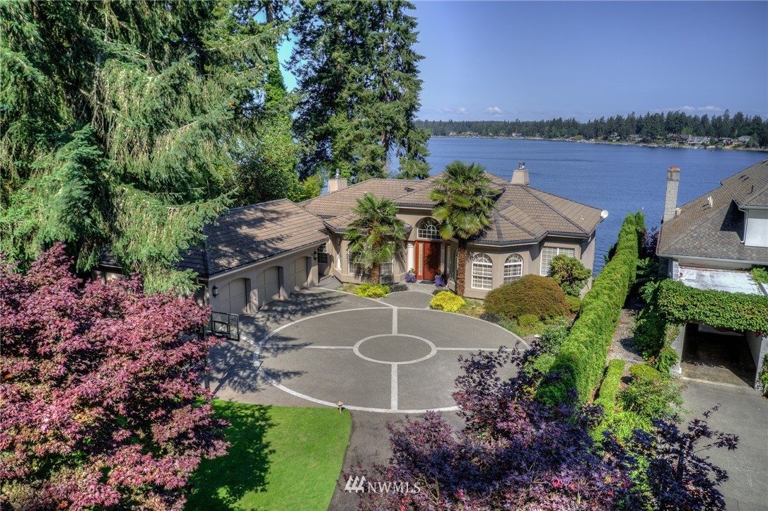 108 Country Club Circle SW, Lakewood, WA 98498