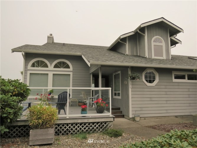 554 Chinook Avenue SE, Ocean Shores, WA 98569