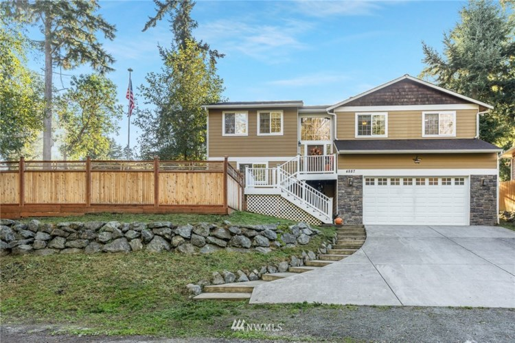 4887 Reindeer Road, Freeland, WA 98249