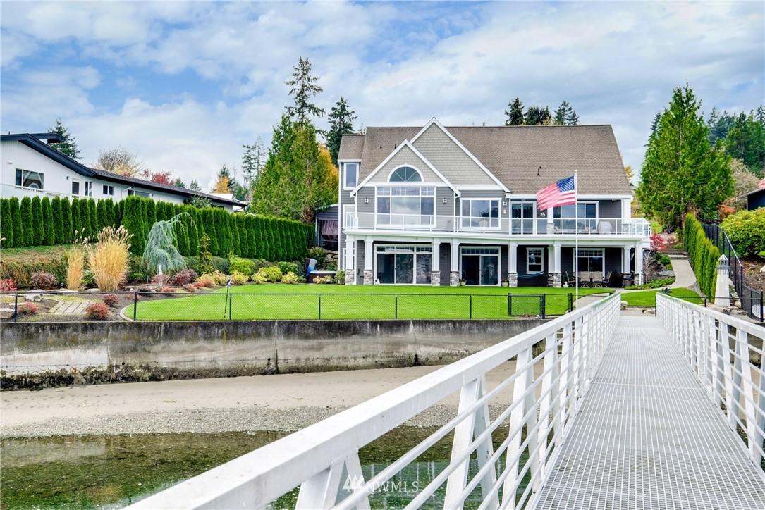 217 Bella Bella Drive, Fox Island, WA 98333