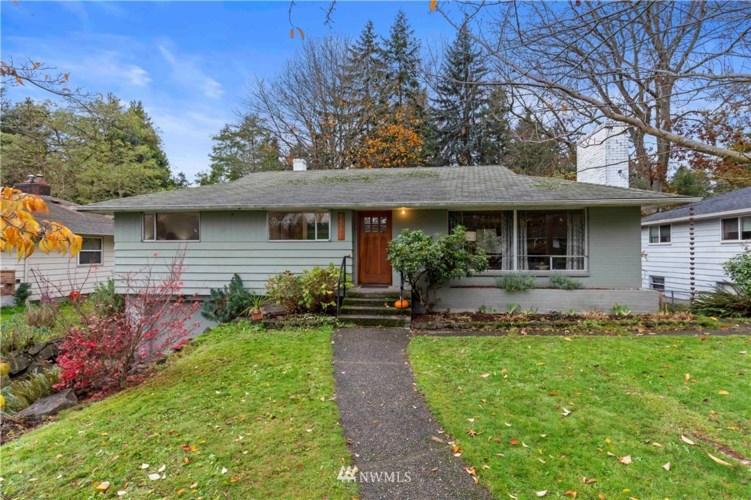 14045 26th Avenue NE, Seattle, WA 98125
