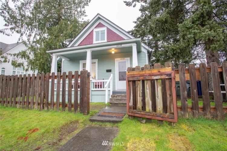 6038 S Warner Street, Tacoma, WA 98409