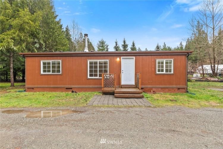 41938 Cedar St, Concrete, WA 98237