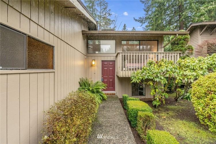 7 168th Avenue NE, Bellevue, WA 98008