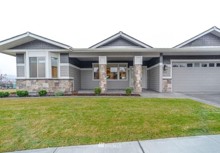 446 River Walk Drive, Wenatchee, WA 98801