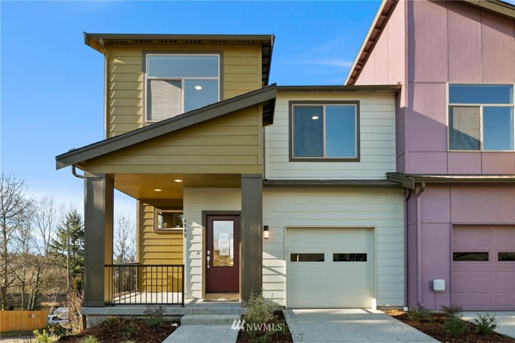 9875 11th Avenue SW #17, Seattle, WA 98106