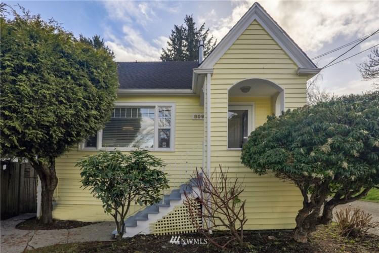 809 NW 77th Street, Seattle, WA 98117
