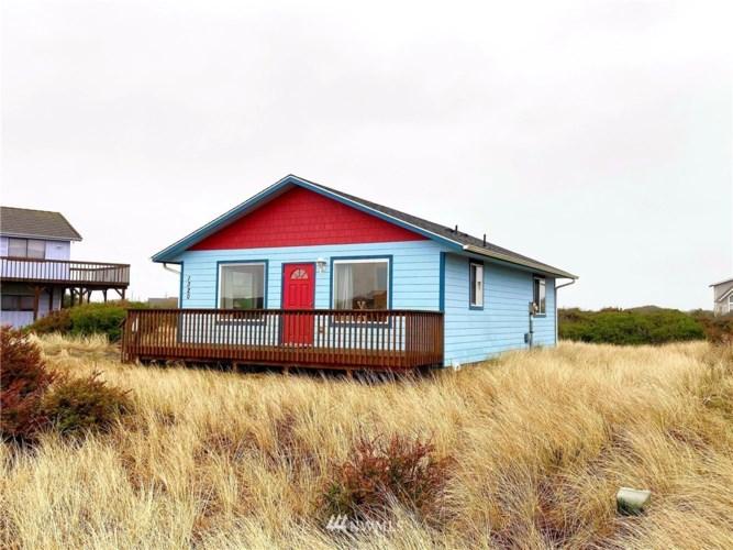 1320 N Jetty Avenue SW, Ocean Shores, WA 98569