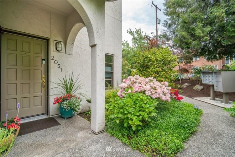 2051 Minor Avenue E, Seattle, WA 98102