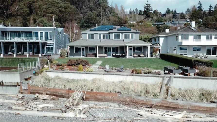 11051 Arroyo Beach Place SW, Seattle, WA 98146