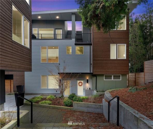 3925 2nd Avenue NE, Seattle, WA 98105