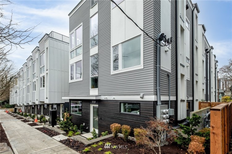 1113 14th Avenue #E, Seattle, WA 98122