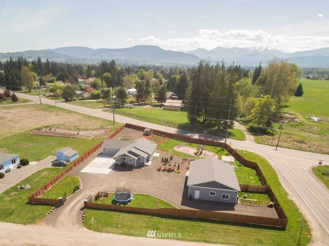 42 Geolaine Way, Sequim, WA 98382