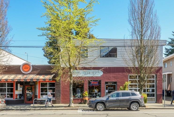 6820 Greenwood Avenue N, Seattle, WA 98103