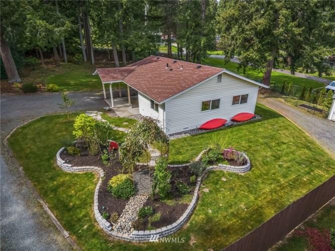 17442 W Lake Desire Drive SE, Renton, WA 98058