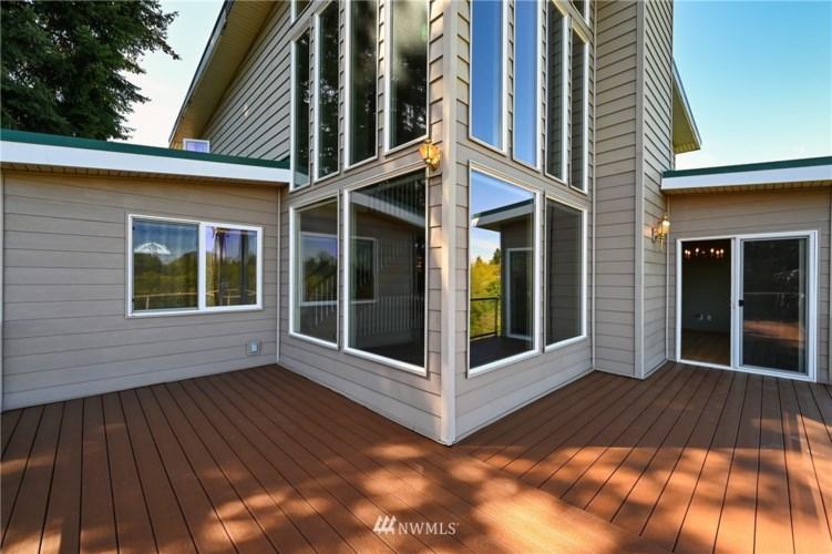 2707 50th Avenue NE, Tacoma, WA 98422