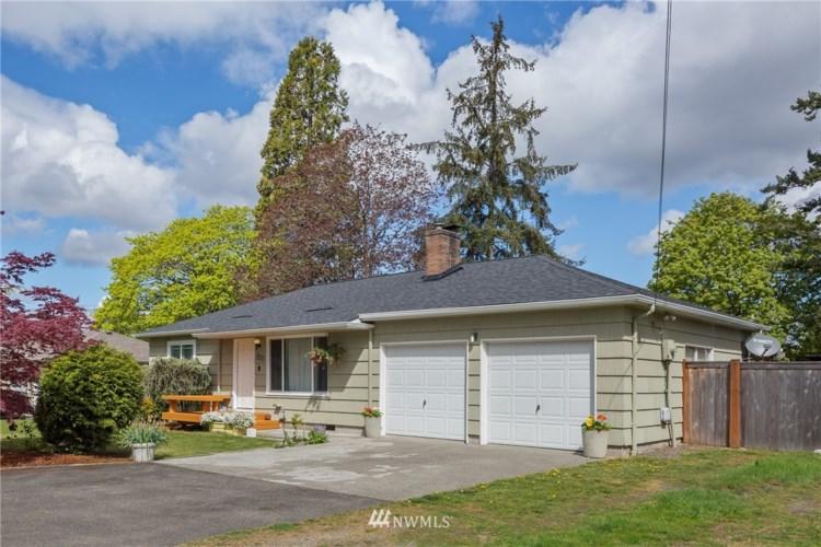 127 Violet Meadow Street E, Tacoma, WA 98445
