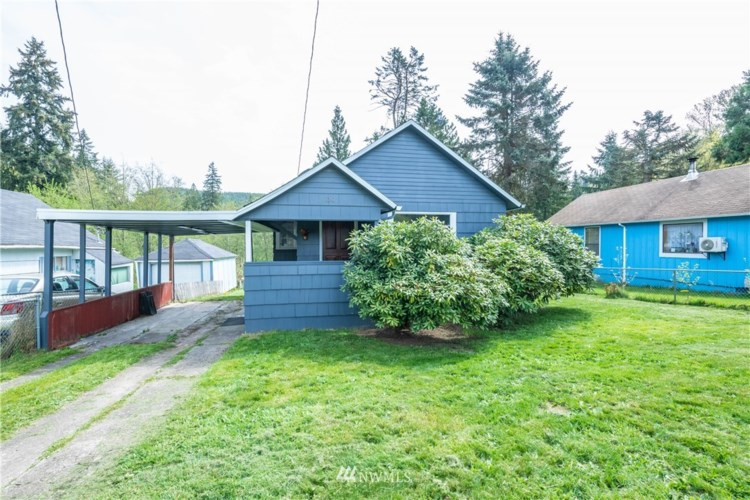 130 Red Row Road, Kelso, WA 98626