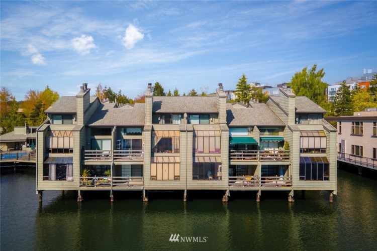 4 Lake Bellevue Drive #101, Bellevue, WA 98005