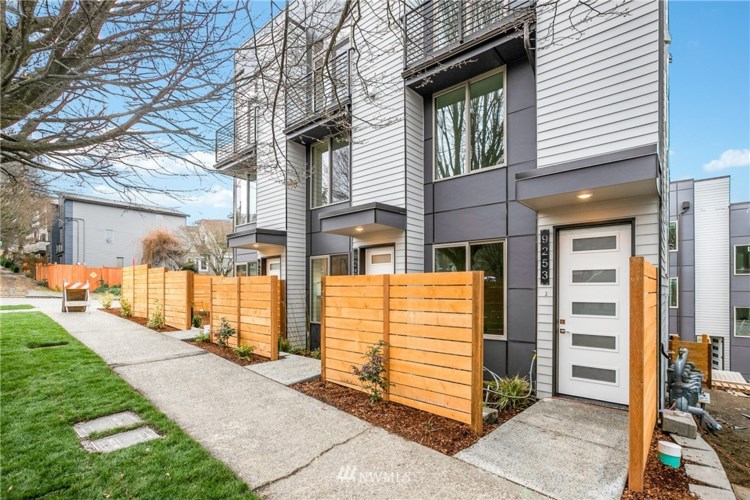 9251 35th Ave SW #A, Seattle, WA 98126