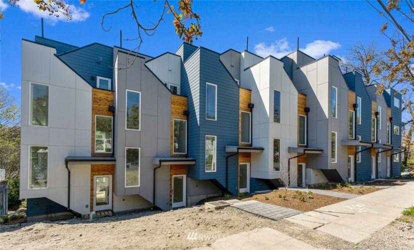 813 Davis Place S, Seattle, WA 98144