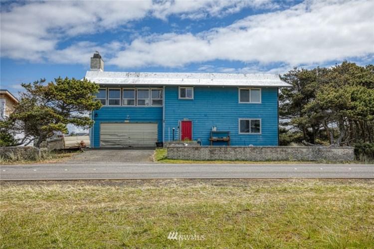 1088 Ocean Shores Boulevard SW, Ocean Shores, WA 98569