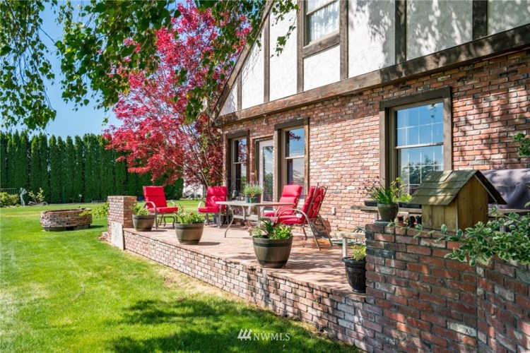 9496 Road V NW, Quincy, WA 98848