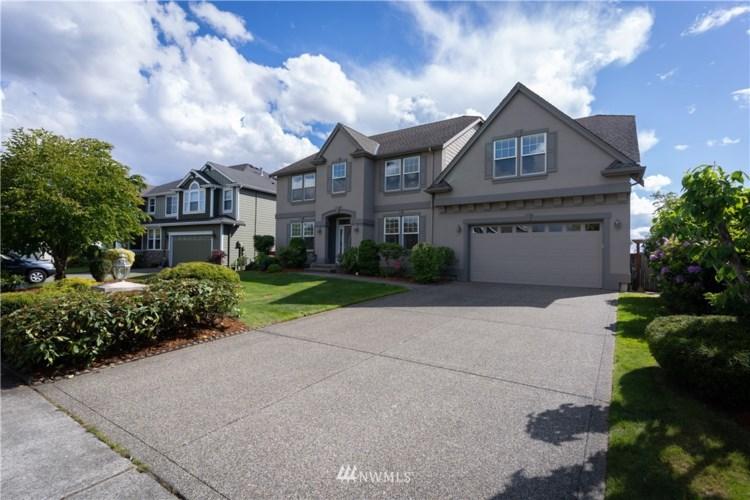 1818 Pointe Woodworth Drive NE, Tacoma, WA 98422