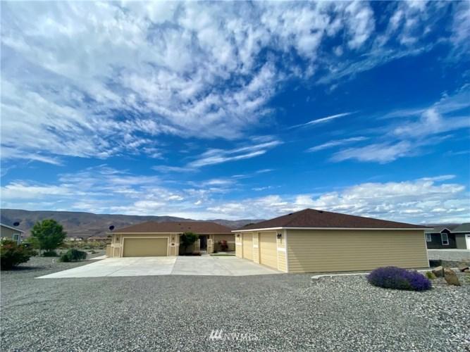 833 Desert Aire Drive SW, Mattawa, WA 99349