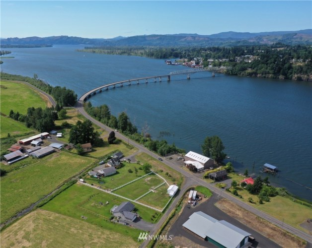 262 State Route 409, Cathlamet, WA 98612