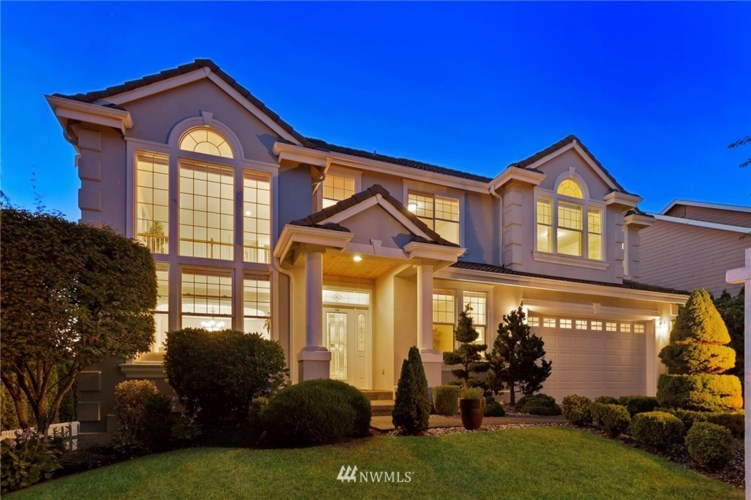 1748 Pointe Woodworth Drive NE, Tacoma, WA 98422