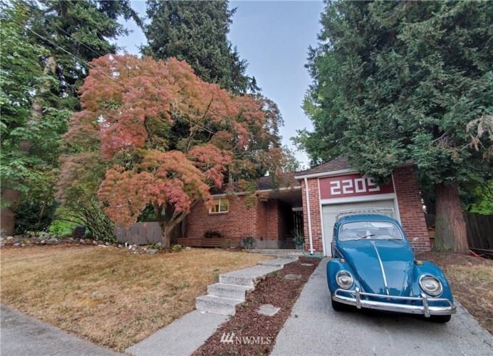2205 SW Myrtle Street, Seattle, WA 98106