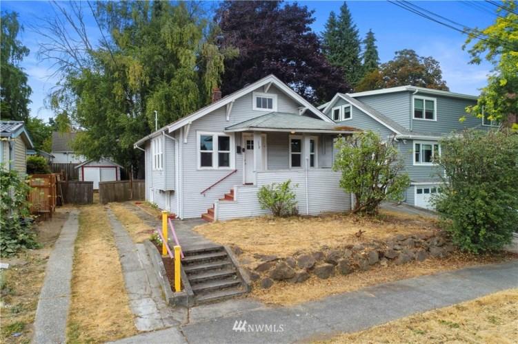 834 NE 82nd Street, Seattle, WA 98115