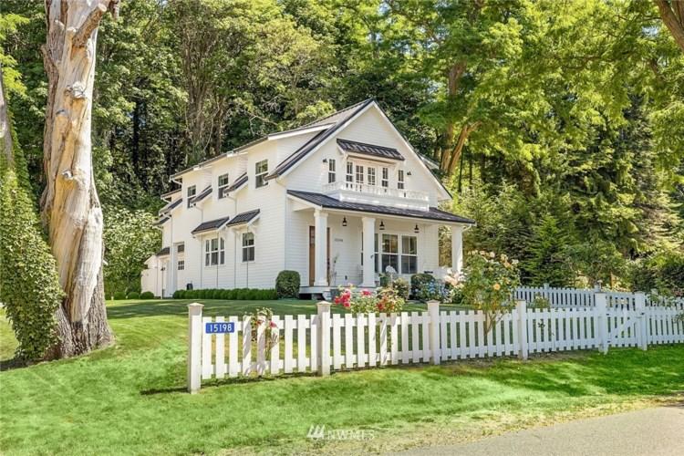15198 Washington Avenue NE, Bainbridge Island, WA 98110