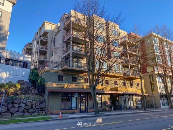 5016 California Avenue SW #303, Seattle, WA 98136