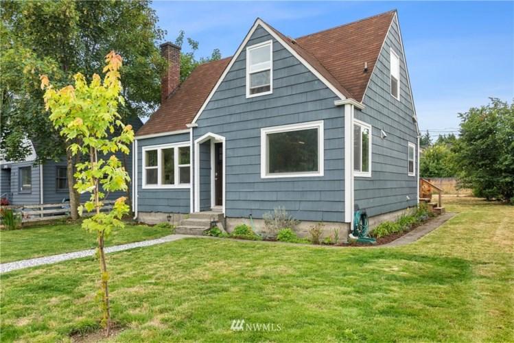 7422 S Oakes Street, Tacoma, WA 98409