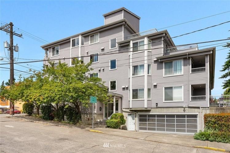 8804 Roosevelt Way NE #302, Seattle, WA 98115