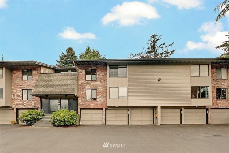 13529 Linden Avenue N #A202, Seattle, WA 98133