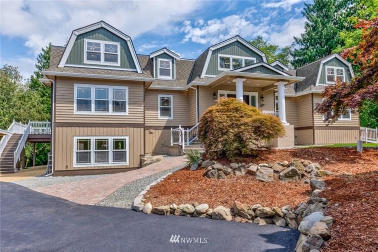 14705 Manor Way, Lynnwood, WA 98087