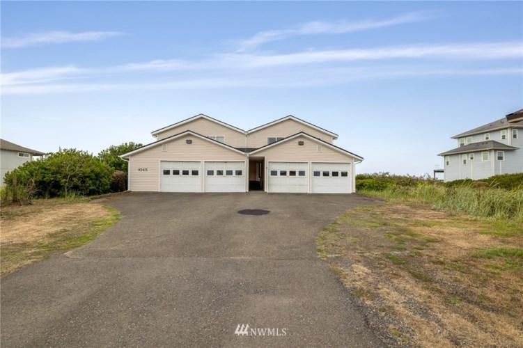 1045 Ocean Shores Boulevard SW #D, Ocean Shores, WA 98569