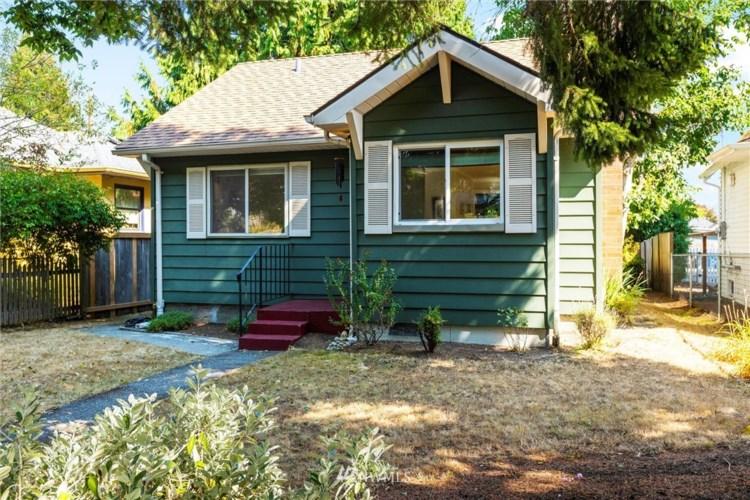 7148 32nd Avenue SW, Seattle, WA 98126