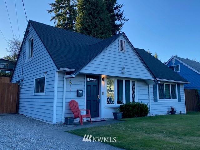 1236 Moorlands Drive, Tacoma, WA 98405