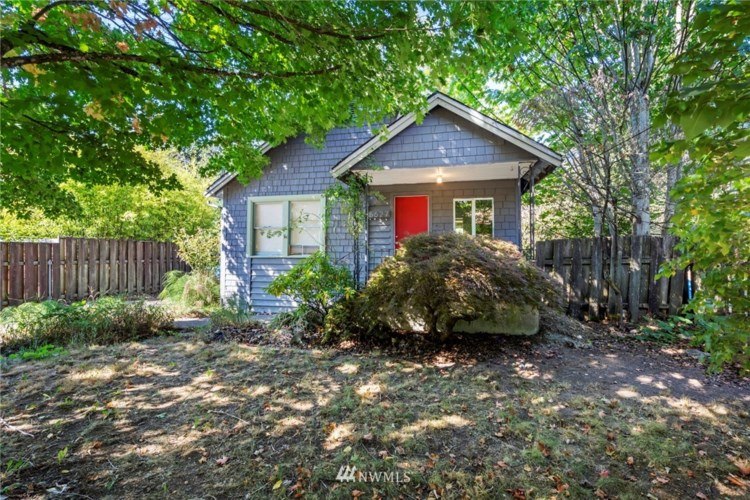 5627 26th Avenue SW, Seattle, WA 98106