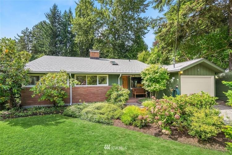 1335 NE 106th Street, Seattle, WA 98125