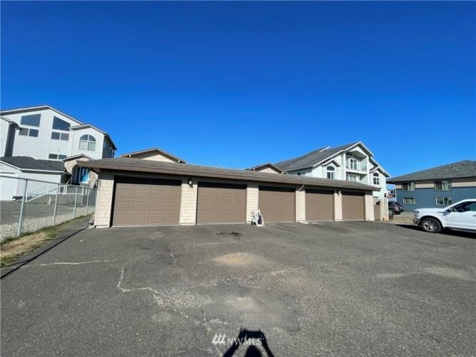 1031 S Sand Dune Avenue #A, Ocean Shores, WA 98569