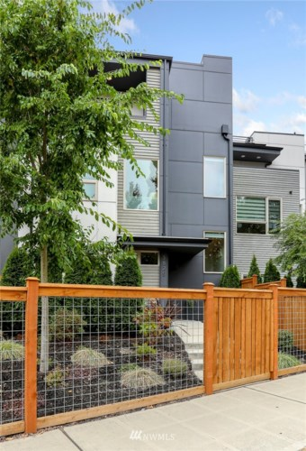 3825 Gilman Avenue W, Seattle, WA 98199