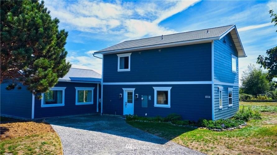 1554 Ocean View Lane, Point Roberts, WA 98281