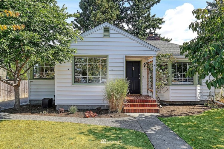 8522 25th Avenue NW, Seattle, WA 98117