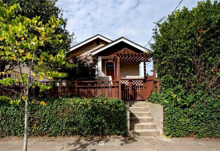 4425 26th Avenue SW, Seattle, WA 98106