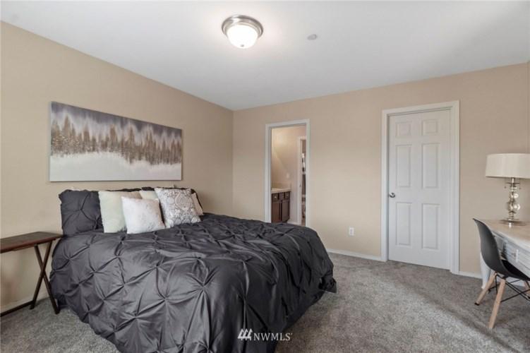 1573 Grant, Dupont, WA 98327